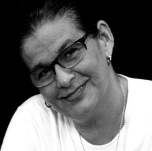 Dina Oliveira